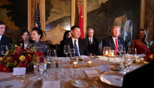 Chinese President Xi Jinping and President Donald Trump attend a dinner accompanied by first ladies Peng Liyuan and Melania Trump at Trump's Mar-a-Lago estate in West Palm Beach, Florida. REUTERS/Carlos Barria